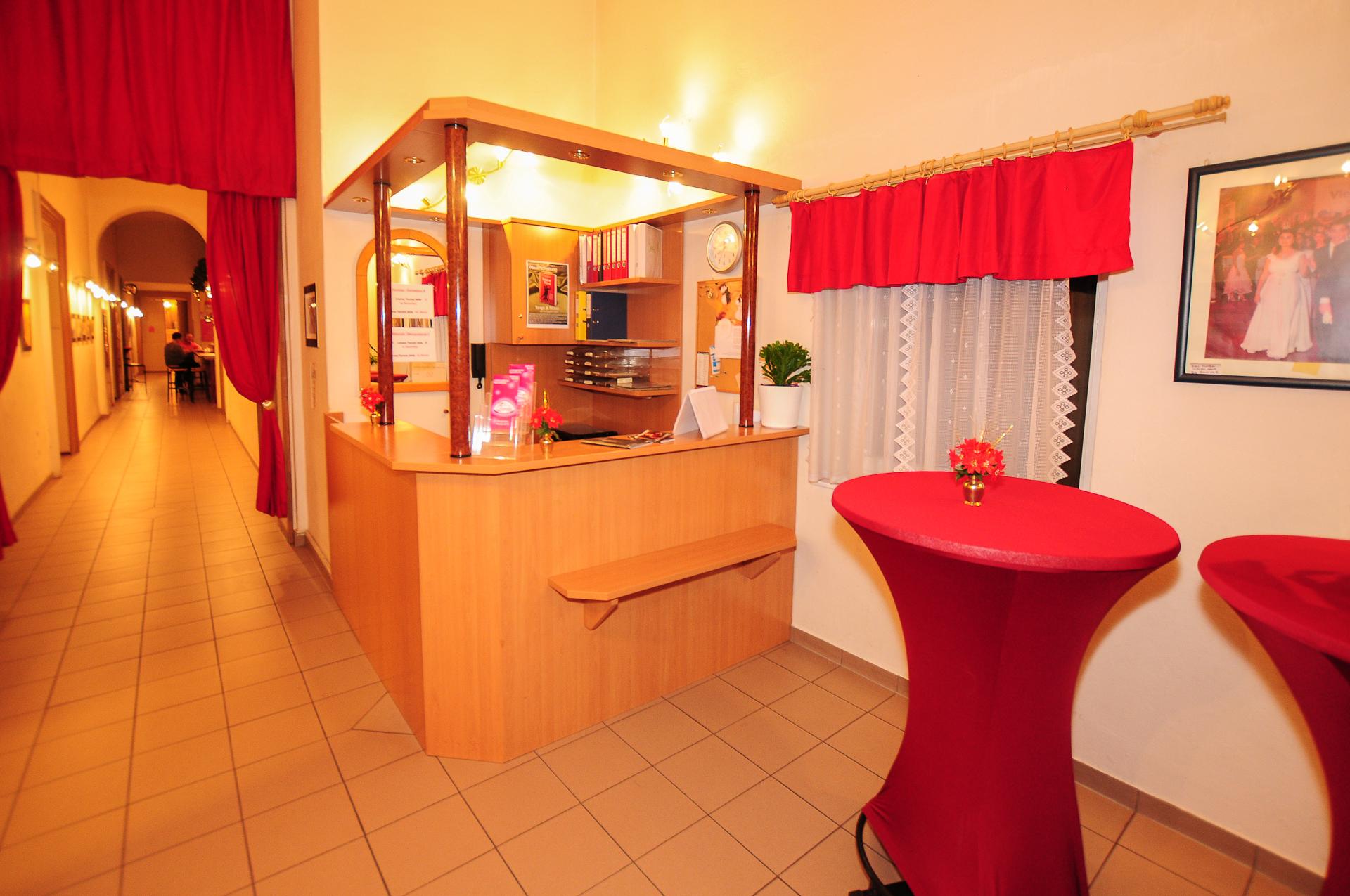 Ball- & Hochzeitskurse - Tanzschule Strobl - Hernals
